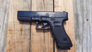 Umarex Glock 17 Gen 3 Blowback Action C02 BB Pistol Review.Great Training Pistol.